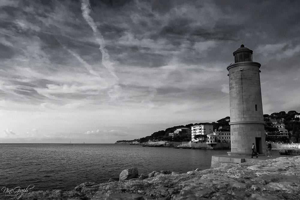Monochrome, Le phare de Cassis - Monochrome