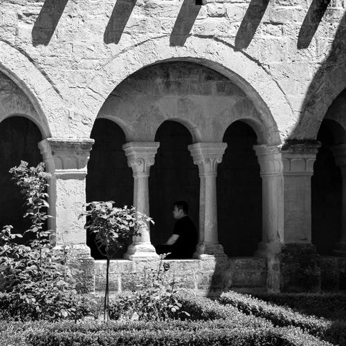 Monochrome, cloître de l'Abbaye de Sénanque