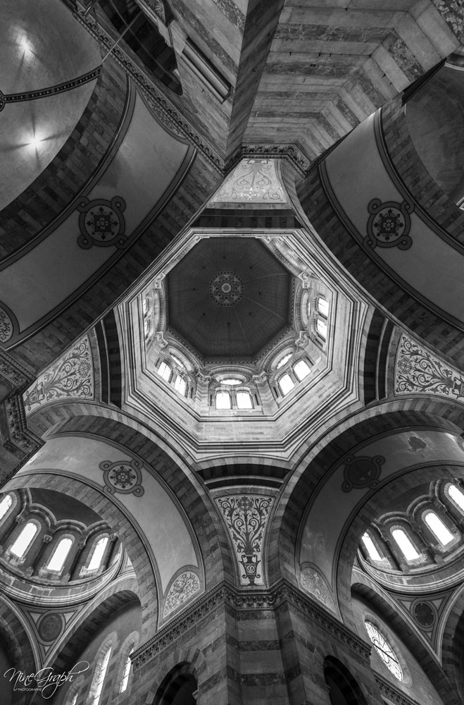 Monochrome, Cathédrale de la Major à Marseille - Monochrome