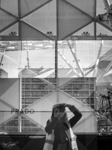 Prado Shopping à Marseille en février 2018 selfie de NineGraph sur une devanture de magasin