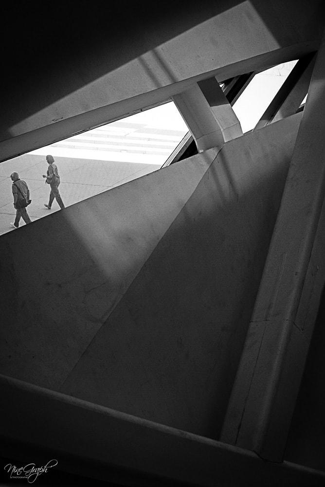 Monochrome, De l'escalator de la Villa Méditerranée - Monochrome