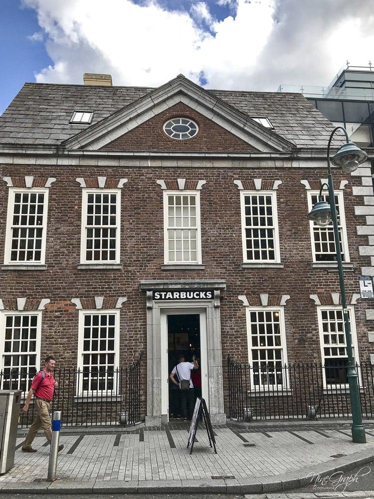 Façades Starbucks à Cork, en Irlande, 2018