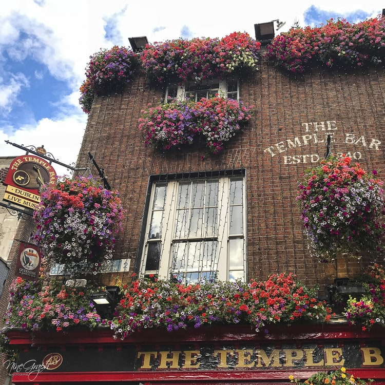 Façades du Temple Bar à Dublin, en Irlande, 2018