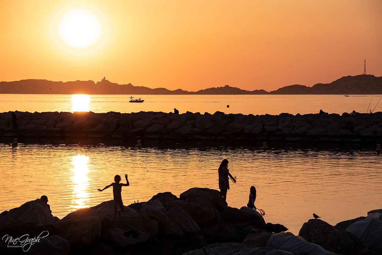 Coucher de soleil à Mama Beach à Marseille